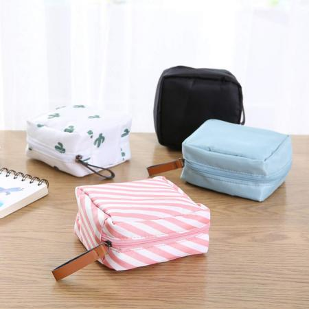 tahari makeup bag